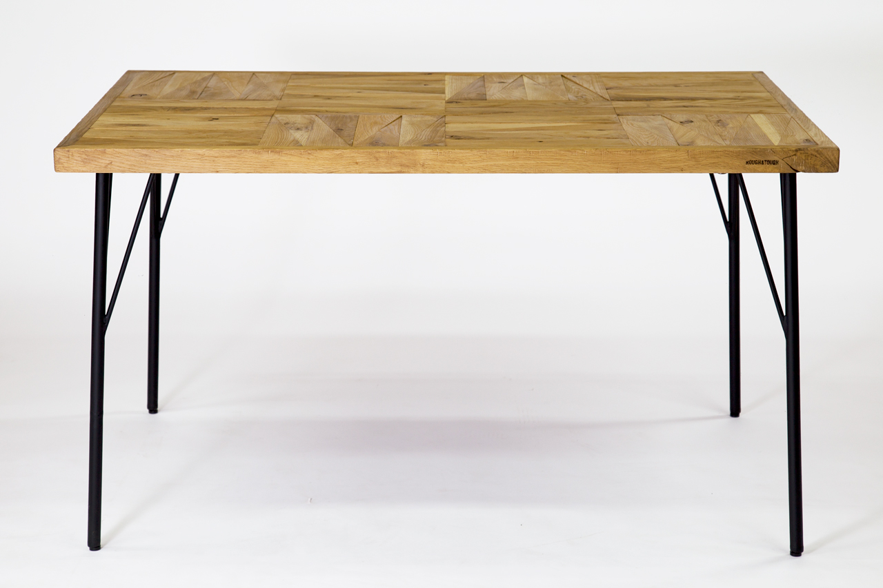 PARCS Dining Table Oak