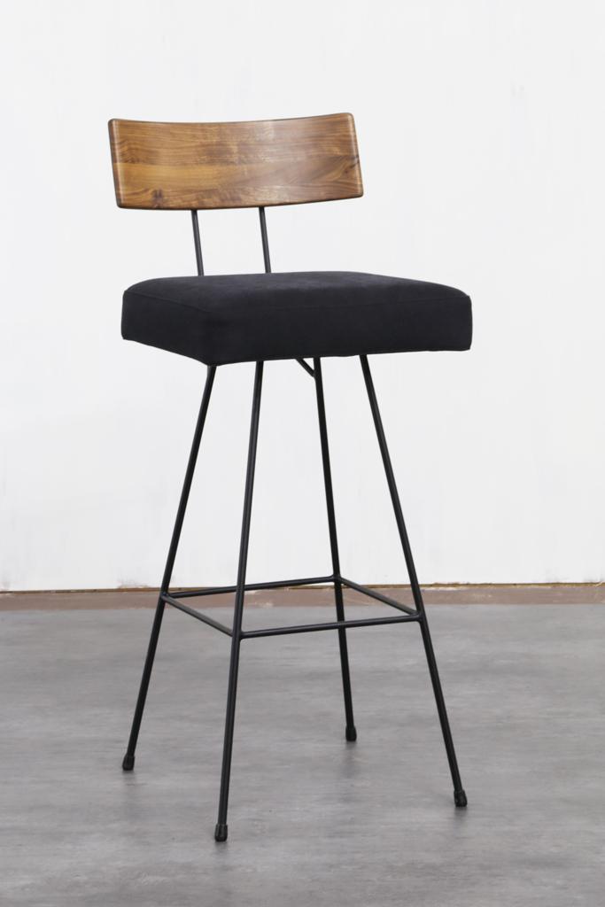 背板:Walnut / 座面:Canvas Black